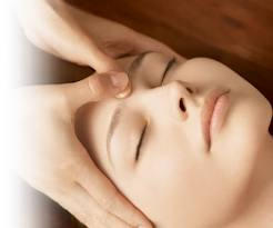 face-massage-vitality-laser-spa